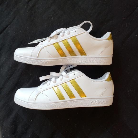 903d0d62ff28 Adidas neo NIB Great Gift! Size 4